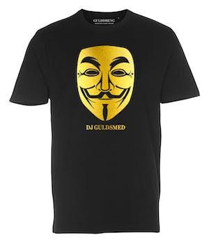 Sort t-shirt med DJ Gulsmed maske påtrykt på brystet