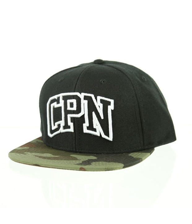 Sort cap med camouflage skygge og CPN broderet